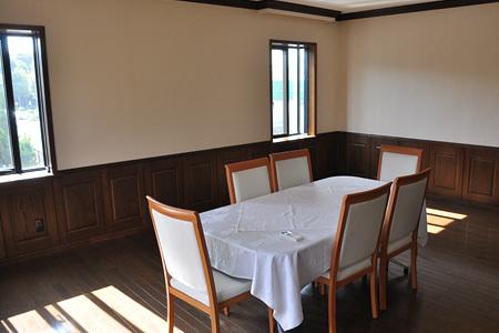 2階休憩室 テーブル席